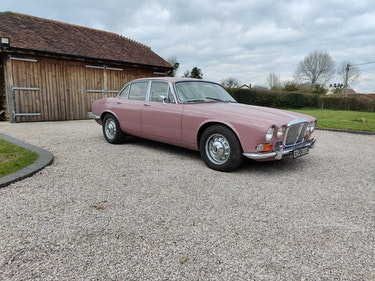 Picture of 1973 Series 1 SWB Daimler double six For Sale