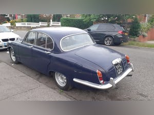 1969 The classic daimler 4.2 sovereign For Sale (picture 1 of 11)