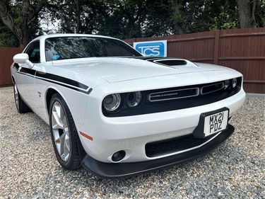 Picture of 2019 Dodge Challenger HEMI V8 R/T Plus 8-Speed Automatic For Sale
