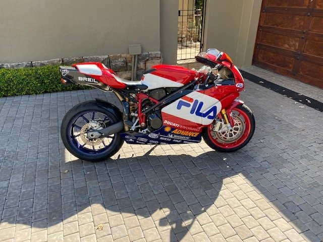 2003 Ducati 999R Fila Limited Edition For Sale (picture 2 of 6)
