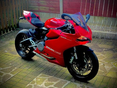 Picture of 2015 Ducati 899 Panigale, 6423 Miles, Full Ducati History For Sale