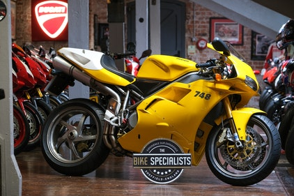 Picture of 2001 Ducati 748R Stunning Mk1 UK Example Only 958 Miles For Sale