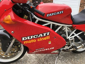 1991 Rare first edition White Frame, White Wheel Ducati 900SS For Sale (picture 6 of 10)