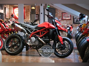 2020 Ducati 950 Hypermotard with full Termignoni Exhaust Fitted For Sale (picture 1 of 26)