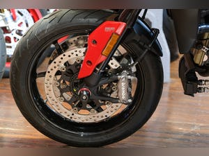 2020 Ducati 950 Hypermotard with full Termignoni Exhaust Fitted For Sale (picture 20 of 26)