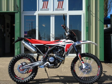 Picture of Fantic XEF 125 Enduro Brand New 2021 E5 Model For Sale