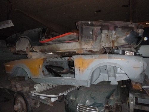 fiat spyder wrecks For Sale (picture 3 of 6)