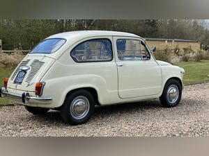 FIAT 600D -1964 -STUNNING CONDITION -RARE. For Sale (picture 2 of 11)