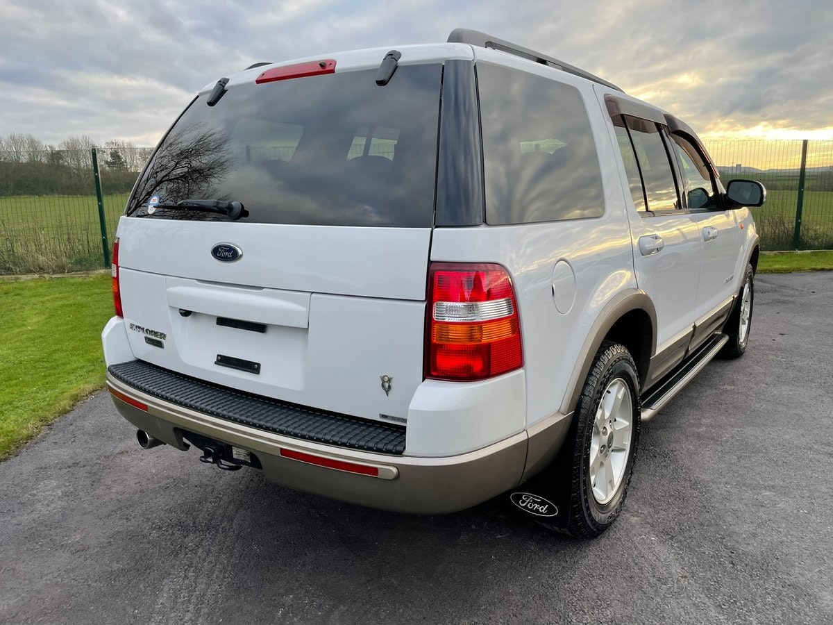 2005 FORD EXPLORER 4.6 EDDIE BAUER AUTOMATIC * 7 SEATER 4X4 For Sale (picture 2 of 6)