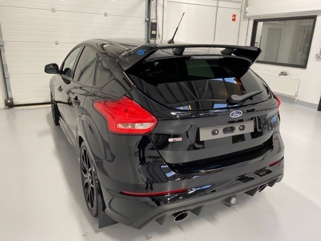 2017 Ford Focus RS MK3 Just 7,000 Miles. With Every Extra SOLD (picture 8 of 12)