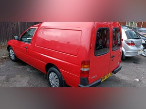 2000 CLASSIC DIESEL FORD ESCORT VAN For Sale (picture 5 of 12)