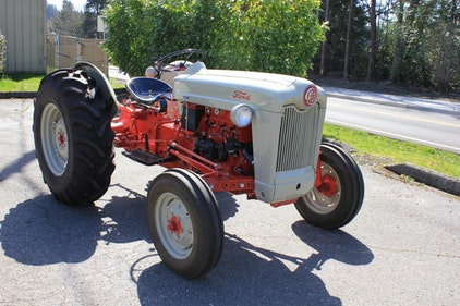 Picture of Lot 111- 1953 Ford Golden Jubilee Tractor For Sale by Auction