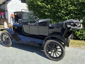 English Bodied 1919 Ford Model T Touring For Sale (picture 2 of 8)