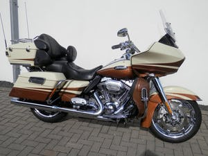 2011 Low mileage CVO Road Glide 110 European Spec For Sale (picture 1 of 6)