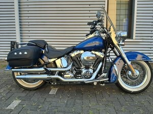 Picture of Harley davidson Softail de Luxe 103 cub 2016 SOLD
