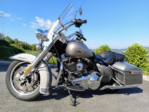 Picture of Harley Davidson Flhr Road King 2016 For Sale