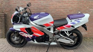 Picture of Honda Fireblade firste series 1993 SOLD