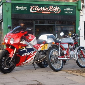 Picture of 1996 Honda RC45 RVF750 R.  RESERVED FOR DECLAN. SOLD