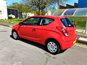 2014 63 REG HYUNDAI i20 WOW ONLY 19,500 MLS FSH £30 YR TAX For Sale (picture 3 of 6)