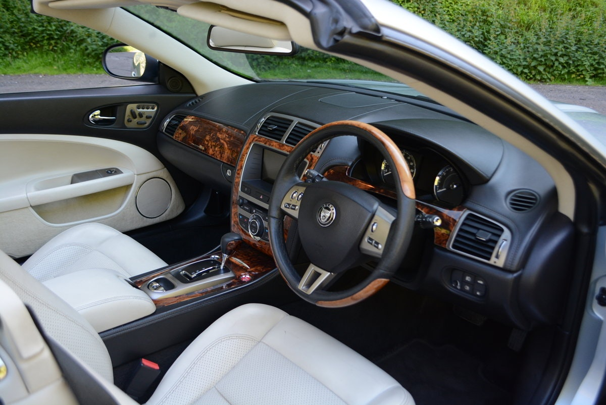 2006 Jaguar XK8 4.2 Convertible  For Sale (picture 4 of 6)