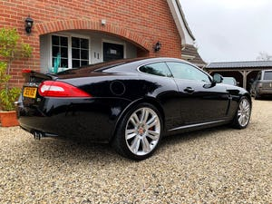 2010 Jaguar XKR 5.0 Supercharged (510-bhp) A stunning hi spec For Sale (picture 4 of 6)