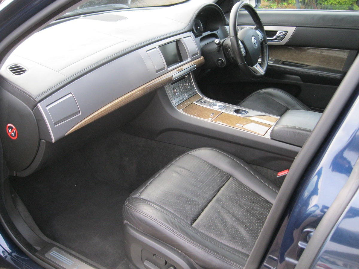 2008 Jaguar XF SV8 4.2 Supercharged Luxury Sports Saloon For Sale (picture 3 of 6)