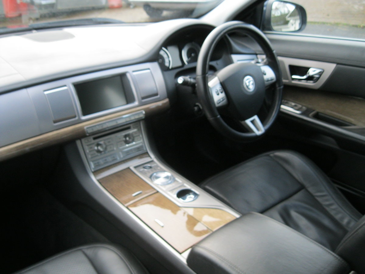 2008 Jaguar XF SV8 4.2 Supercharged Luxury Sports Saloon For Sale (picture 5 of 6)