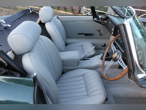1969 Jaguar E-Type Series II 4.2 Roadster, Retrimmed Interior For Sale (picture 8 of 20)