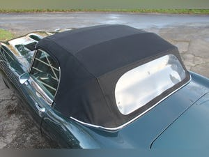1969 Jaguar E-Type Series II 4.2 Roadster, Retrimmed Interior For Sale (picture 18 of 20)