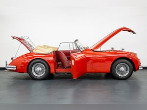 1959 JAGUAR XK150S DROPHEAD COUPE 3400cc 1 OF 19 RHD EXAMPLES For Sale (picture 11 of 27)