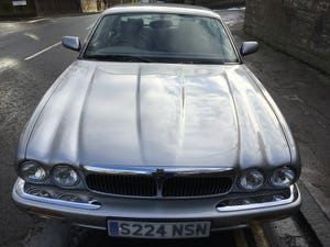 1998 Jaguar XJ8 Low mileage lovely example For Sale (picture 1 of 12)