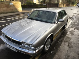 1998 Jaguar XJ8 Low mileage lovely example For Sale (picture 2 of 12)