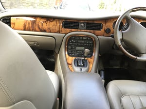 1998 Jaguar XJ8 Low mileage lovely example For Sale (picture 6 of 12)