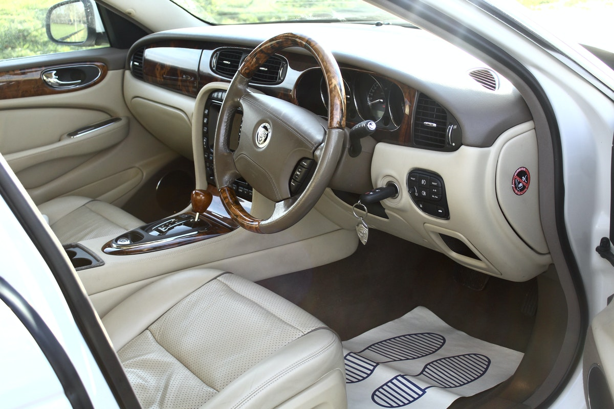2008 Beautiful Jaguar XJ 4.2 Executive X358 For Sale (picture 4 of 12)