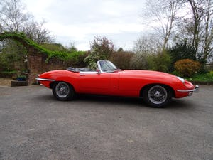 1968 Stunning E-Type Jaguar roadster For Sale (picture 2 of 9)