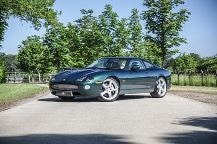 Picture of 2004 Jaguar XKR 4.2 Coupe For Sale