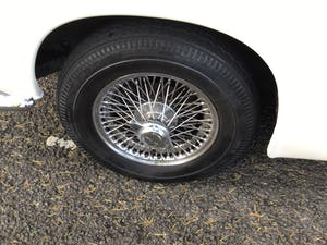 JAGUAR 420 1968  MAN/OVERDRIVE STUNNING Wire Wheels For Sale (picture 9 of 19)