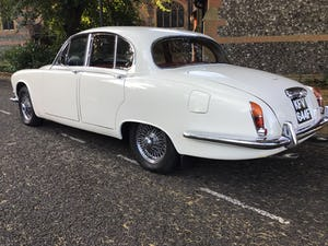 JAGUAR 420 1968  MAN/OVERDRIVE STUNNING Wire Wheels For Sale (picture 16 of 19)