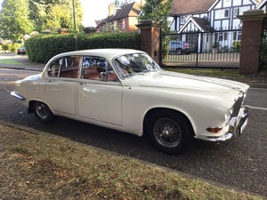 JAGUAR 420 1968  MAN/OVERDRIVE STUNNING Wire Wheels For Sale (picture 19 of 19)