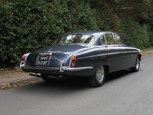 1968 Jaguar 420G - Exceptional example in Solent Blue For Sale (picture 6 of 17)