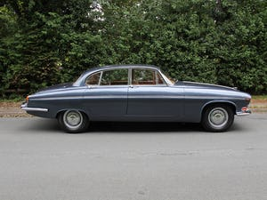 1968 Jaguar 420G - Exceptional example in Solent Blue For Sale (picture 7 of 17)