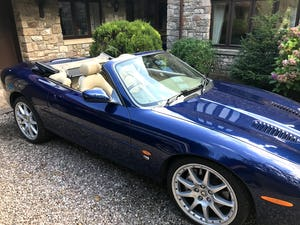 2003 Beautiful Jaguar XKR For Sale (picture 3 of 12)