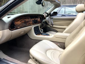 2003 Beautiful Jaguar XKR For Sale (picture 11 of 12)
