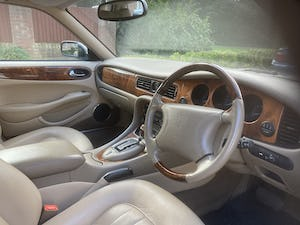 1998 Immaculate & pristine jaguar xj8 3.2 fsh, very low mile For Sale (picture 8 of 12)