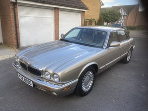1998 Immaculate & pristine jaguar xj8 3.2 fsh, very low mile For Sale (picture 3 of 12)