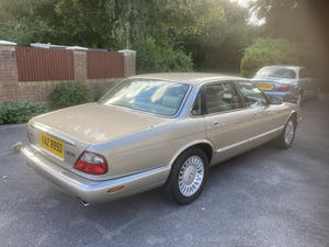 1998 Immaculate & pristine jaguar xj8 3.2 fsh, very low mile For Sale (picture 4 of 12)