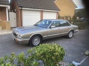1998 Immaculate & pristine jaguar xj8 3.2 fsh, very low mile For Sale (picture 5 of 12)