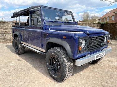 Picture of nicely refurbished 2011 Defender 110 TDCi full soft top For Sale