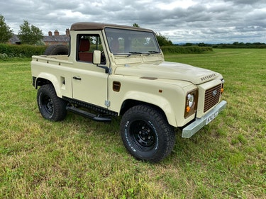 """Picture of 1994 Land Rover 90 """"Retro Mod"""" - Well restored For Sale by Auction"""
