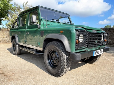 Picture of tough looking 2004/54 Defender 110 Double Cab+nice plate For Sale